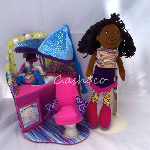 Groovy Girls Hair Beauty Salon & Sarita plush doll K